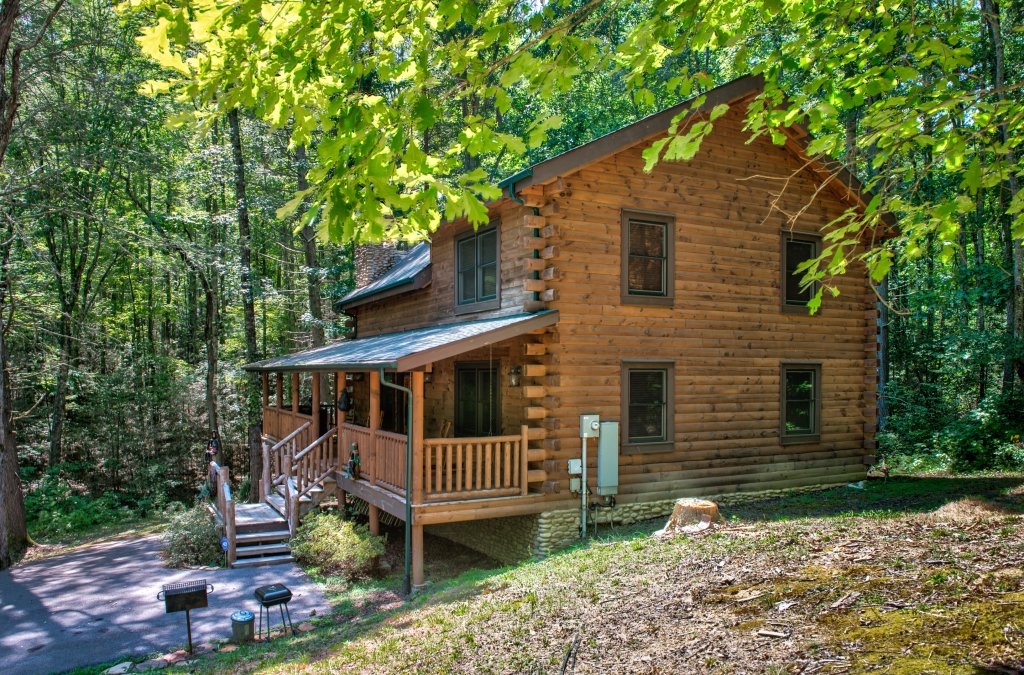 Photo of a Sevierville Cabin named Bearfoot Retreat Cabin - This is the twenty-third photo in the set.