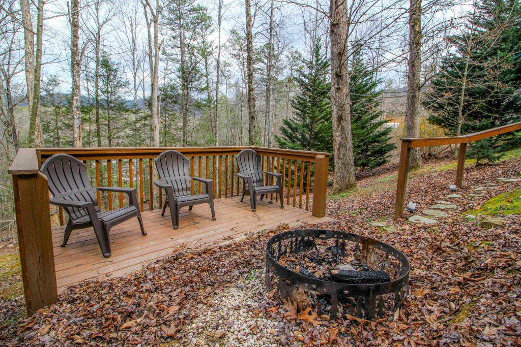 Photo of a Sevierville Cabin named Heavenly Daze Cabin - This is the twenty-fourth photo in the set.