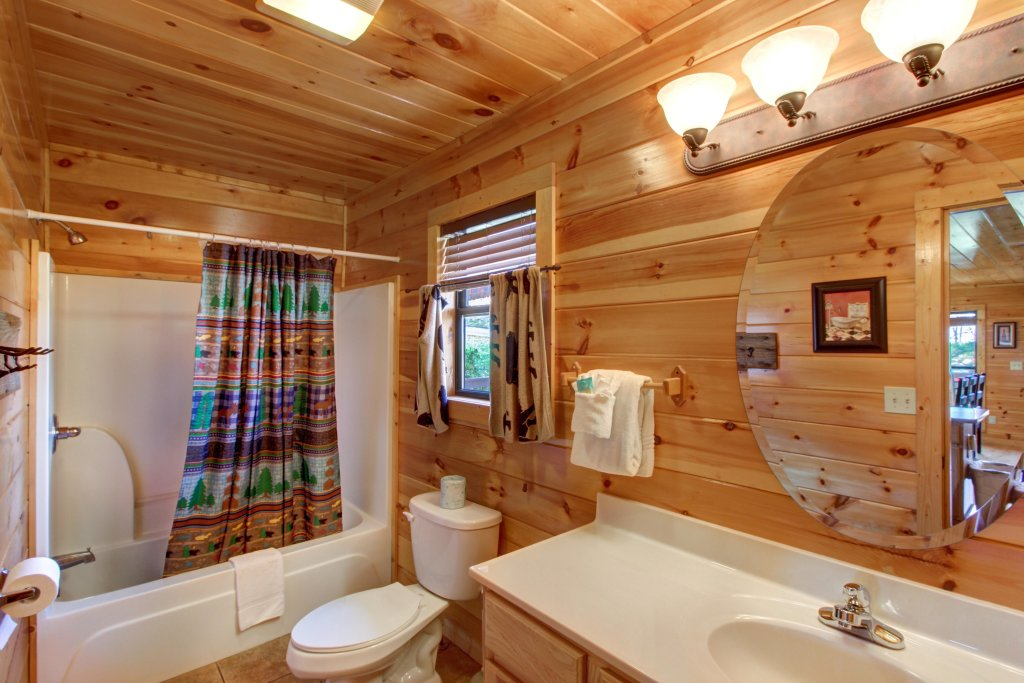 Photo of a Sevierville Cabin named Fit For Kings Cabin - This is the twenty-first photo in the set.