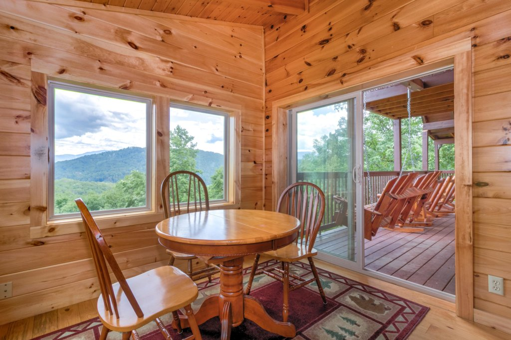 Photo of a Sevierville Cabin named Rendez-view Cabin - This is the sixth photo in the set.