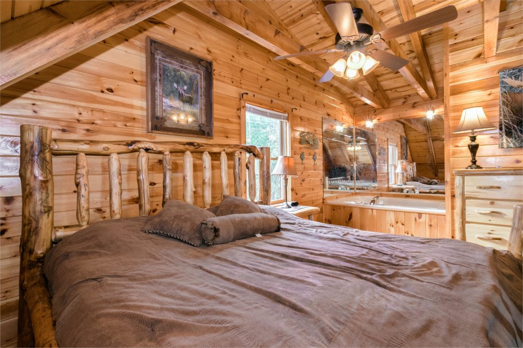 Photo of a Sevierville Cabin named Rendez-view Cabin - This is the fourteenth photo in the set.