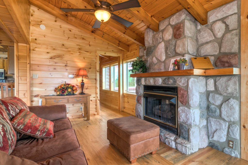 Photo of a Sevierville Cabin named Rendez-view Cabin - This is the thirtieth photo in the set.
