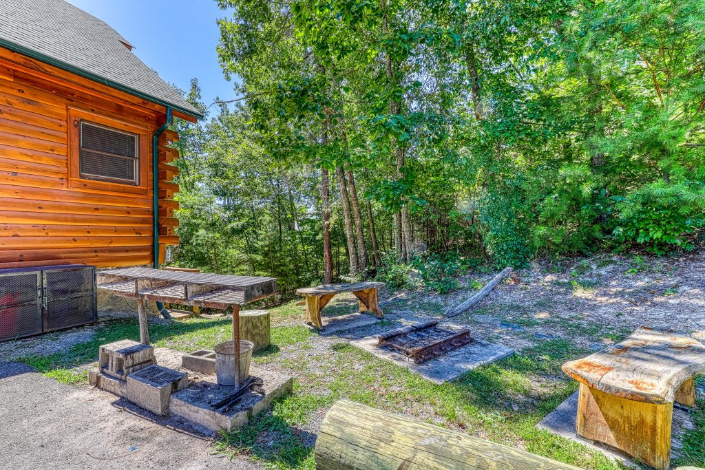 Photo of a Sevierville Cabin named Million Dollar View Cabin - This is the forty-third photo in the set.