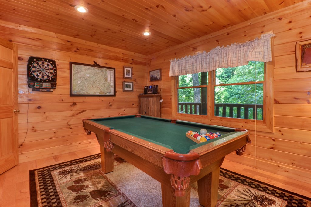 Photo of a Sevierville Cabin named Foxfire Cove Cabin - This is the seventeenth photo in the set.