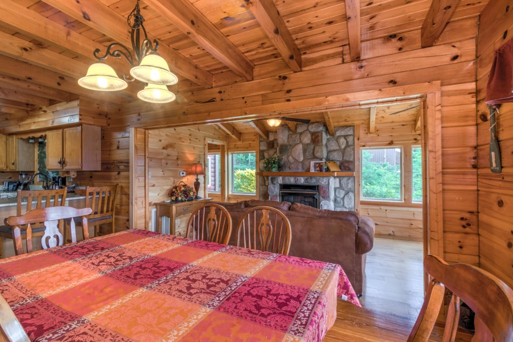 Photo of a Sevierville Cabin named Rendez-view Cabin - This is the thirty-second photo in the set.