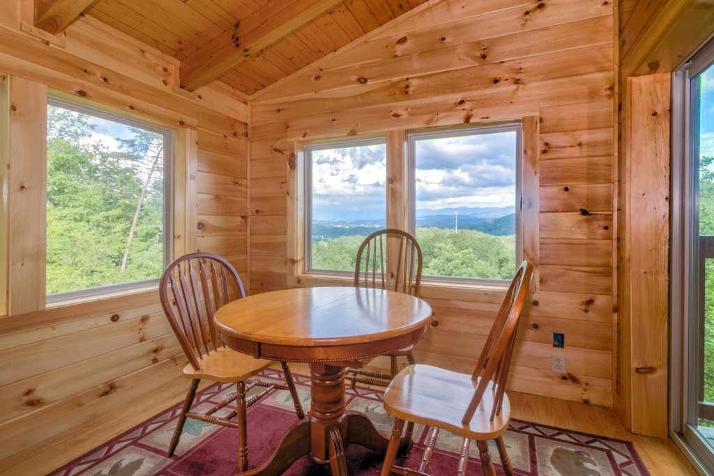 Photo of a Sevierville Cabin named Rendez-view Cabin - This is the thirty-first photo in the set.