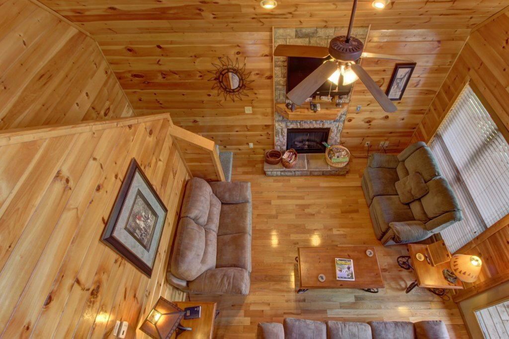 Photo of a Sevierville Cabin named Fit For Kings Cabin - This is the thirty-sixth photo in the set.