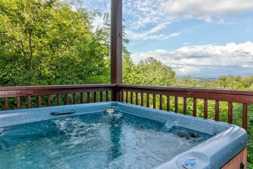 Photo of a Sevierville Cabin named Rendez-view Cabin - This is the second photo in the set.