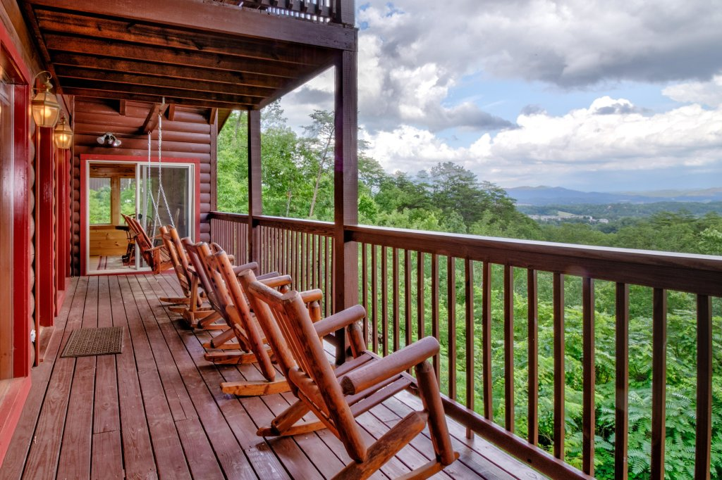 Photo of a Sevierville Cabin named Rendez-view Cabin - This is the fifth photo in the set.