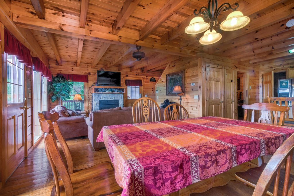 Photo of a Sevierville Cabin named Rendez-view Cabin - This is the seventh photo in the set.