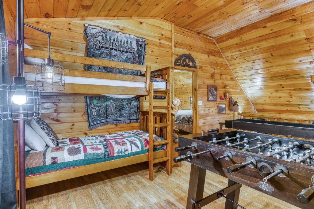 Photo of a Sevierville Cabin named Fishin' Bear Retreat Cabin - This is the nineteenth photo in the set.