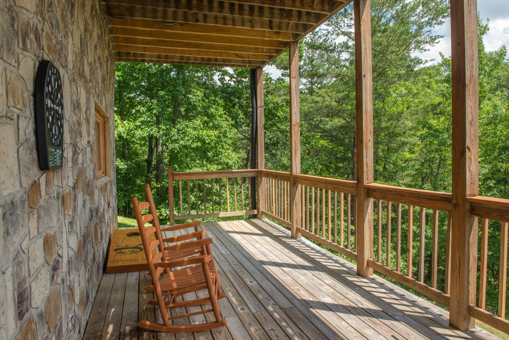 Photo of a Sevierville Cabin named Giddy Up Cabin - This is the twenty-second photo in the set.