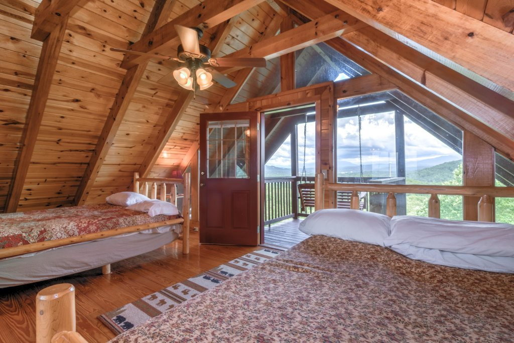 Photo of a Sevierville Cabin named Rendez-view Cabin - This is the forty-first photo in the set.
