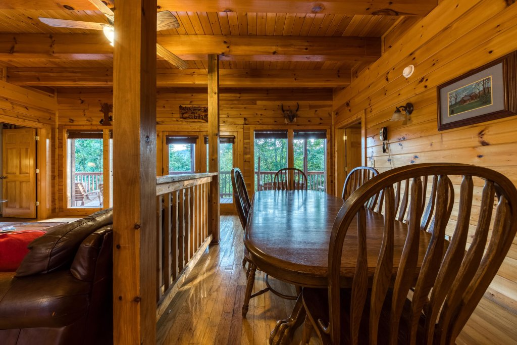 Photo of a Pigeon Forge Cabin named Arrowhead Log Cabin Resort: Brief Escape Cabin - This is the fifteenth photo in the set.