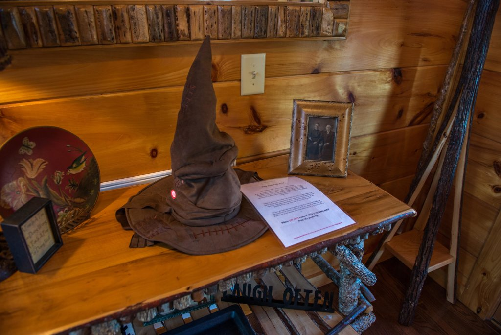 Photo of a Sevierville Cabin named Hogwartz Of The Smokies Cabin - This is the fifth photo in the set.