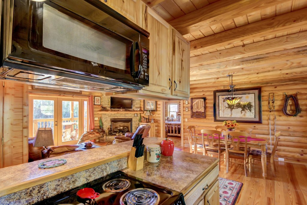 Photo of a Sevierville Cabin named Giddy Up Cabin - This is the tenth photo in the set.