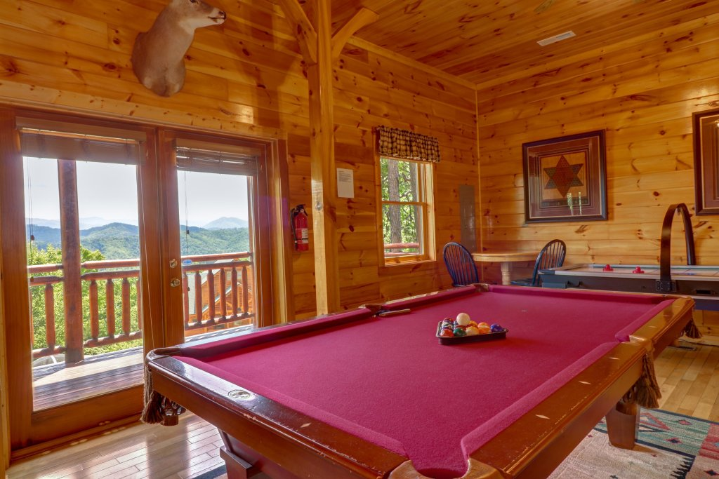 Photo of a Sevierville Cabin named Sweet Retreat Cabin - This is the seventh photo in the set.