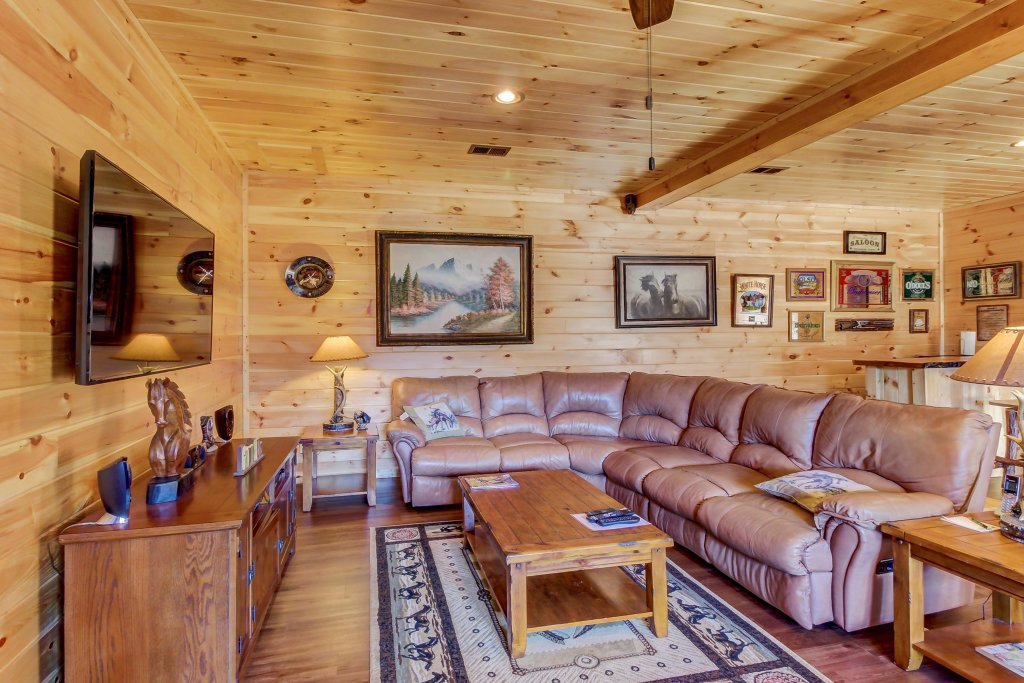 Photo of a Sevierville Cabin named Giddy Up Cabin - This is the twelfth photo in the set.