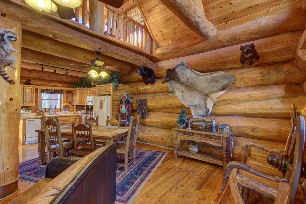 Photo of a Sevierville Cabin named Chief Big Log Cabin - This is the ninth photo in the set.