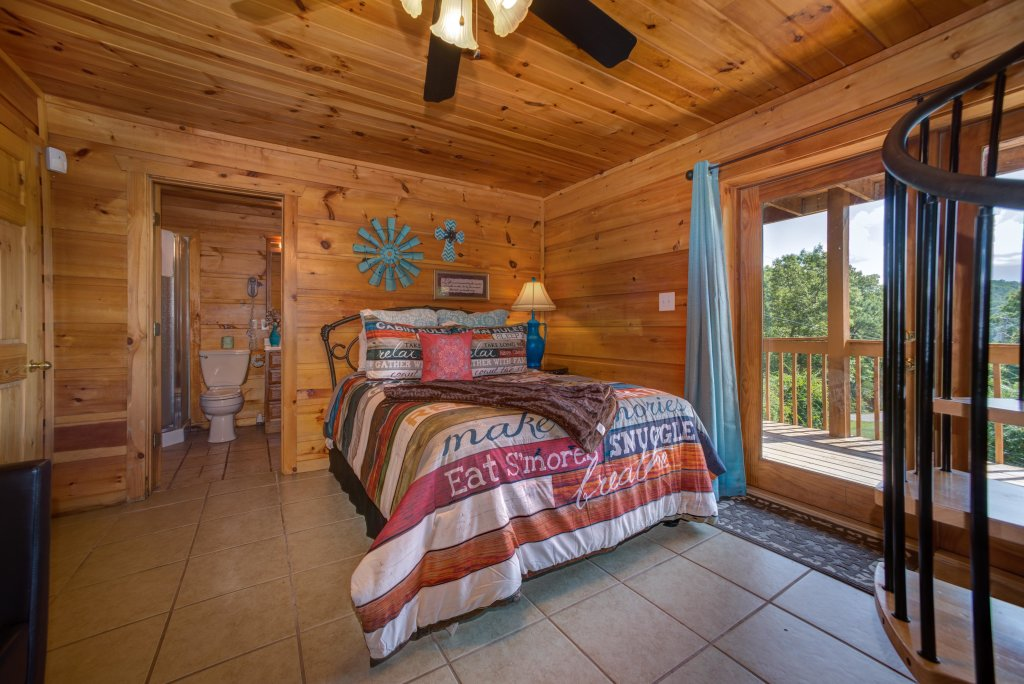 Photo of a Pigeon Forge Cabin named Bow Vista Cabin - This is the twenty-first photo in the set.