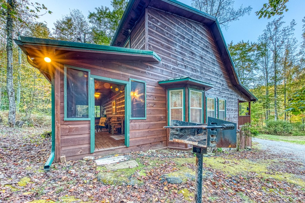 Photo of a Sevierville Cabin named Fishin' Bear Retreat Cabin - This is the thirty-first photo in the set.