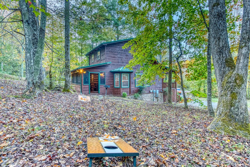 Photo of a Sevierville Cabin named Fishin' Bear Retreat Cabin - This is the thirty-second photo in the set.