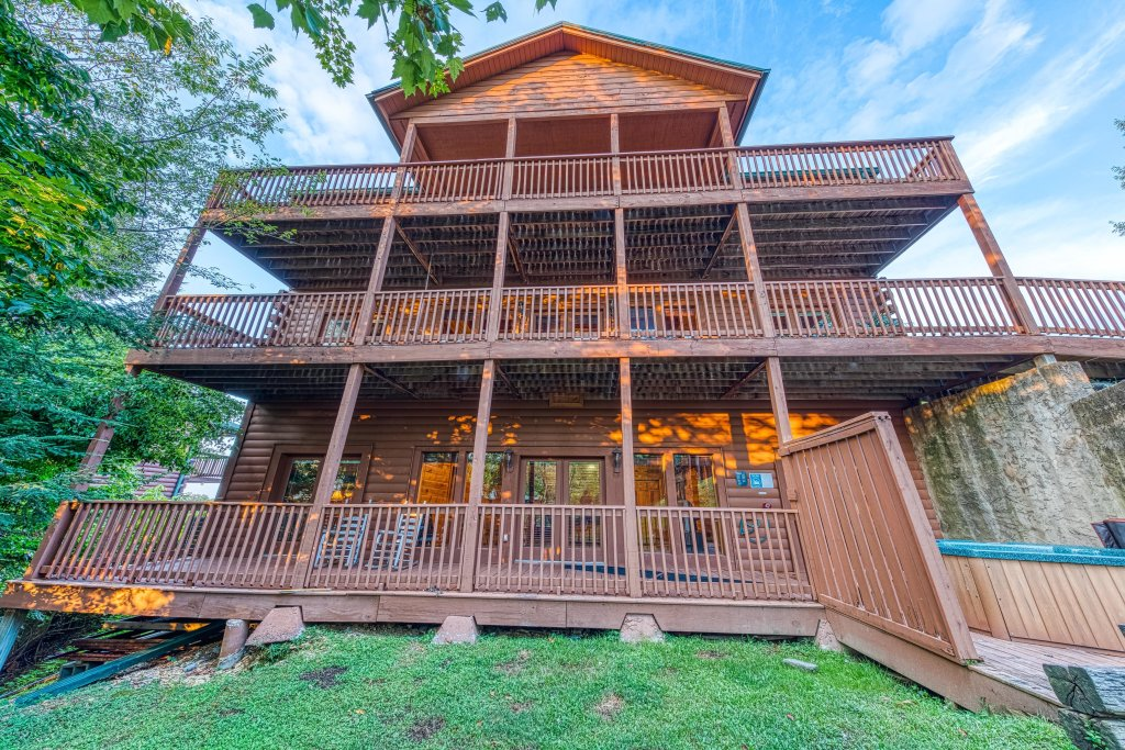 Photo of a Pigeon Forge Cabin named Arrowhead Log Cabin Resort: Brief Escape Cabin - This is the forty-eighth photo in the set.