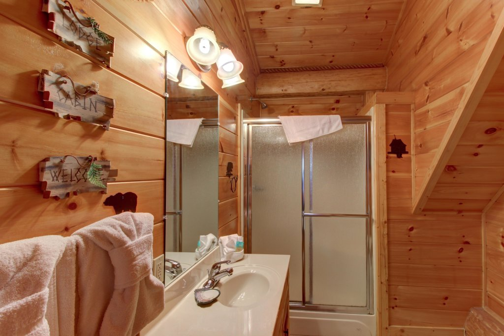 Photo of a Sevierville Cabin named Chief Big Log Cabin - This is the sixteenth photo in the set.
