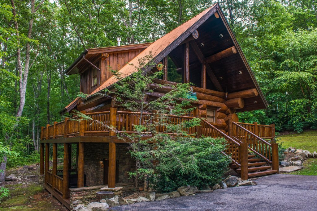 Photo of a Sevierville Cabin named Chief Big Log Cabin - This is the twenty-fifth photo in the set.