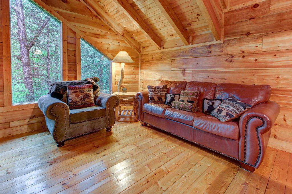 Photo of a Sevierville Cabin named Serenity Cabin - This is the sixteenth photo in the set.