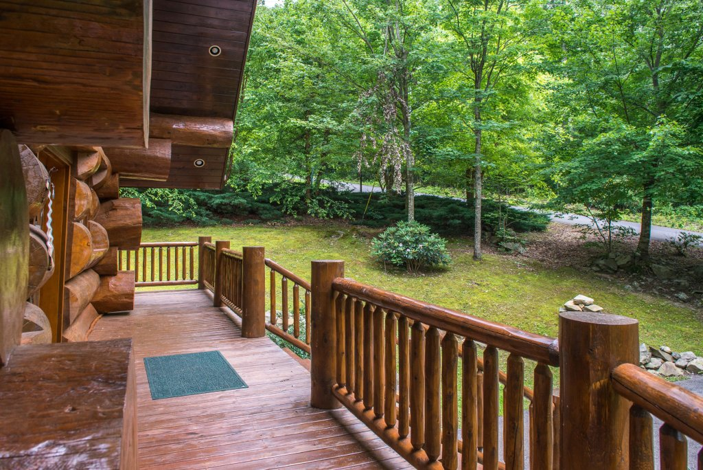 Photo of a Sevierville Cabin named Chief Big Log Cabin - This is the twenty-fourth photo in the set.