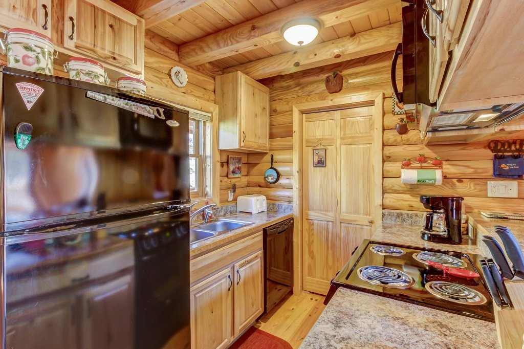 Photo of a Sevierville Cabin named Giddy Up Cabin - This is the thirtieth photo in the set.