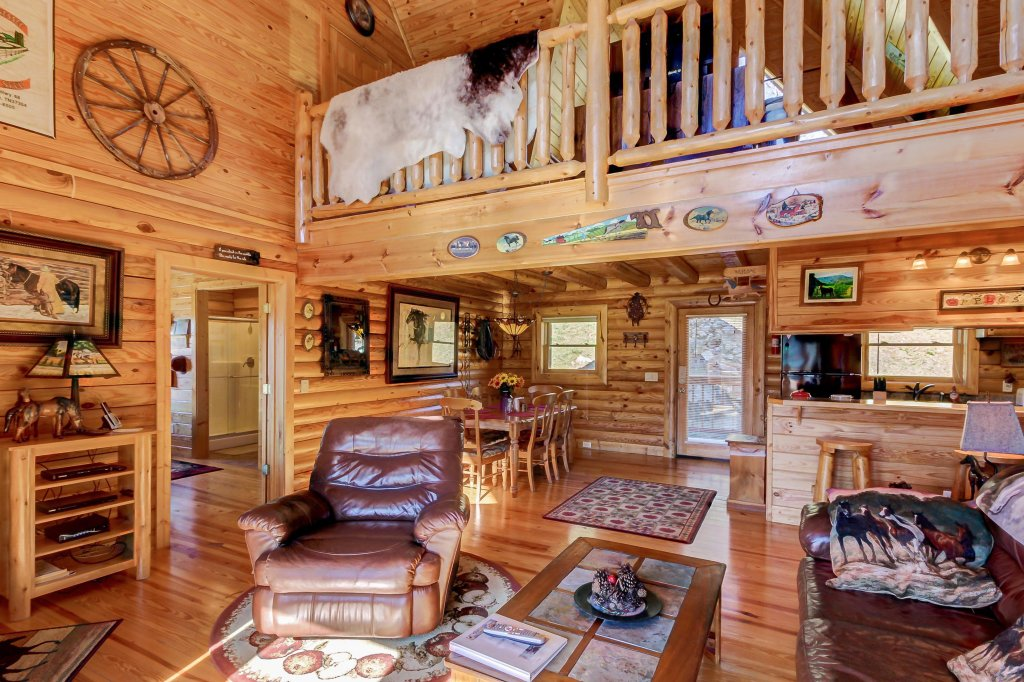 Photo of a Sevierville Cabin named Giddy Up Cabin - This is the ninth photo in the set.
