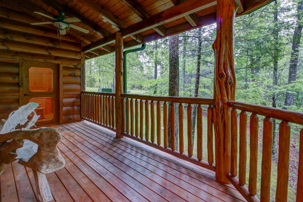 Photo of a Sevierville Cabin named Serenity Cabin - This is the fortieth photo in the set.