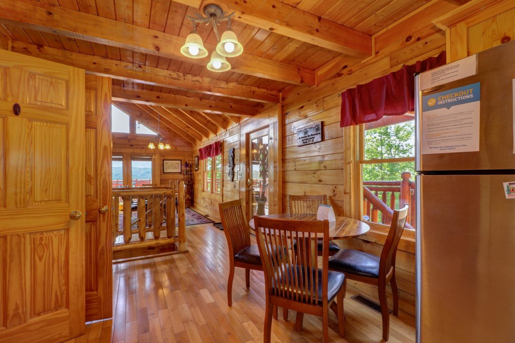 Photo of a Sevierville Cabin named Sweet Retreat Cabin - This is the thirty-seventh photo in the set.
