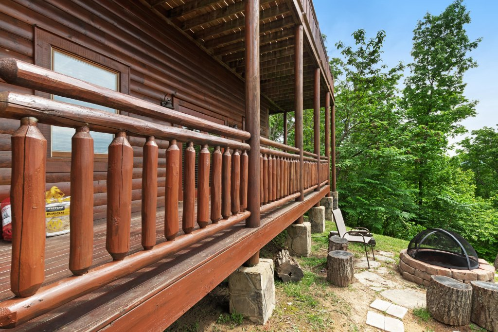 Photo of a Sevierville Cabin named Sweet Retreat Cabin - This is the thirteenth photo in the set.