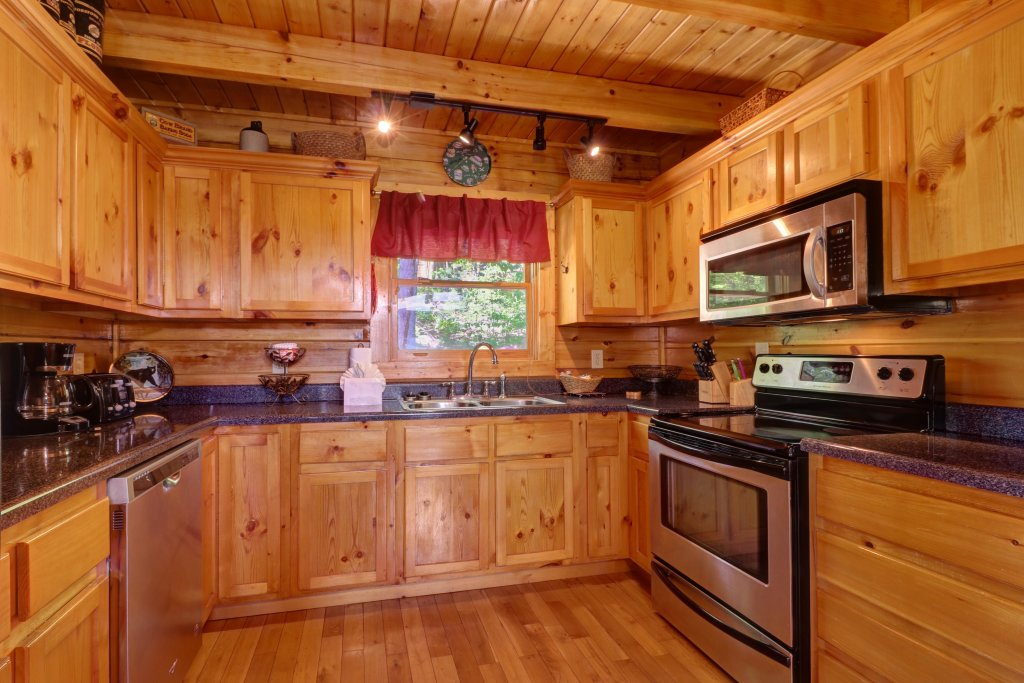 Photo of a Sevierville Cabin named Sweet Retreat Cabin - This is the fifteenth photo in the set.