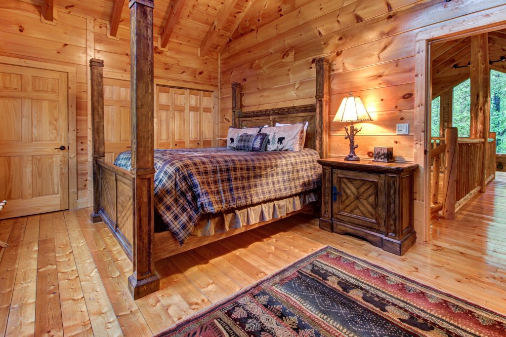 Photo of a Sevierville Cabin named Serenity Cabin - This is the twenty-sixth photo in the set.