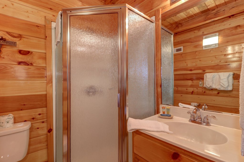 Photo of a Sevierville Cabin named Sweet Retreat Cabin - This is the twenty-sixth photo in the set.