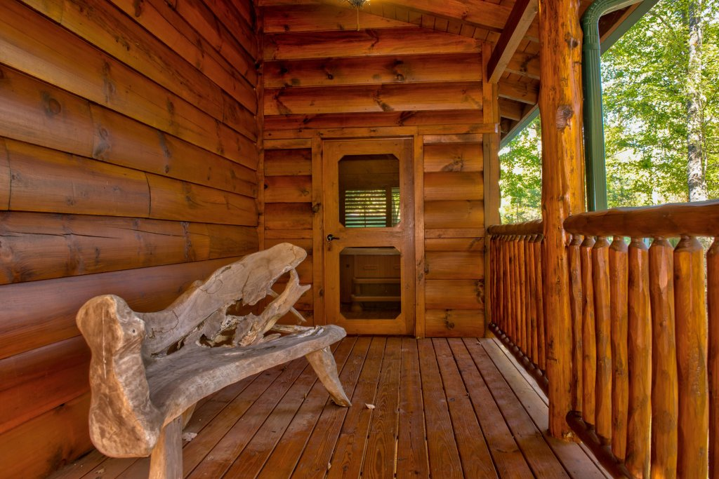 Photo of a Sevierville Cabin named Serenity Cabin - This is the thirty-eighth photo in the set.