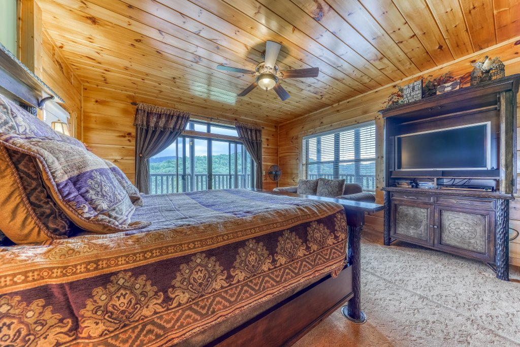 Photo of a Sevierville Cabin named Hogwartz Of The Smokies Cabin - This is the twenty-first photo in the set.