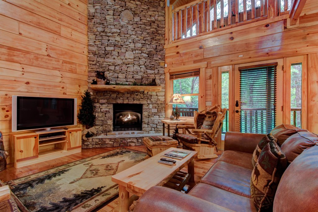 Photo of a Sevierville Cabin named Serenity Cabin - This is the thirty-fourth photo in the set.