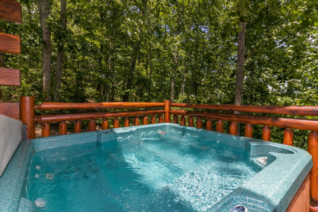 Photo of a Sevierville Cabin named Sweet Retreat Cabin - This is the fifth photo in the set.