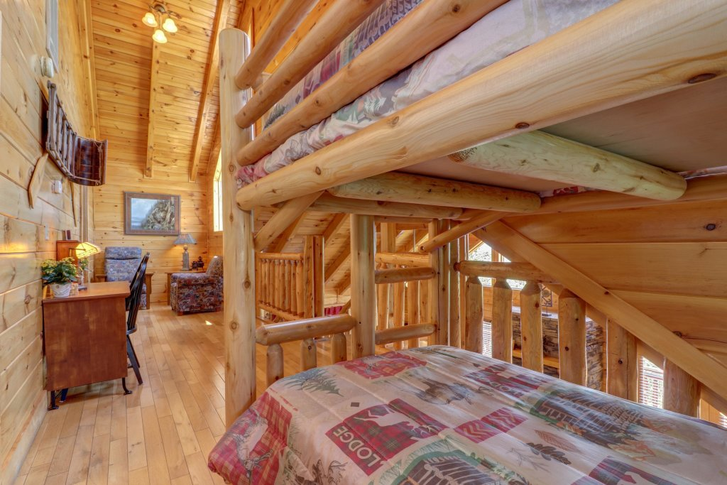 Photo of a Sevierville Cabin named Sweet Retreat Cabin - This is the forty-fourth photo in the set.