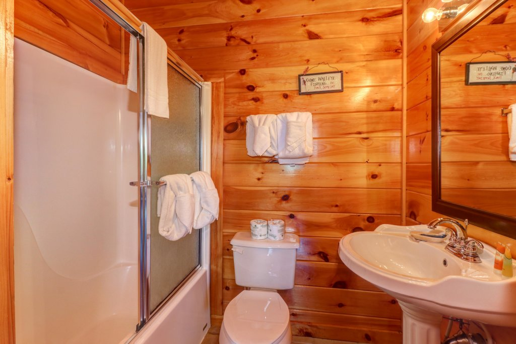 Photo of a Sevierville Cabin named Sweet Retreat Cabin - This is the forty-first photo in the set.