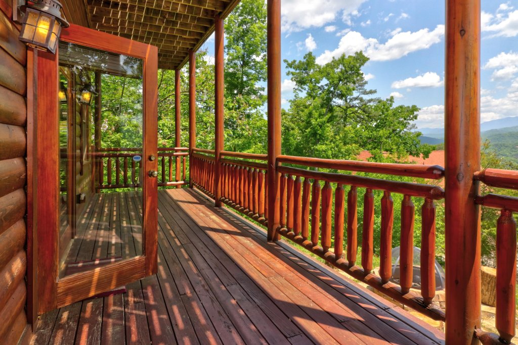 Photo of a Sevierville Cabin named Sweet Retreat Cabin - This is the twenty-eighth photo in the set.