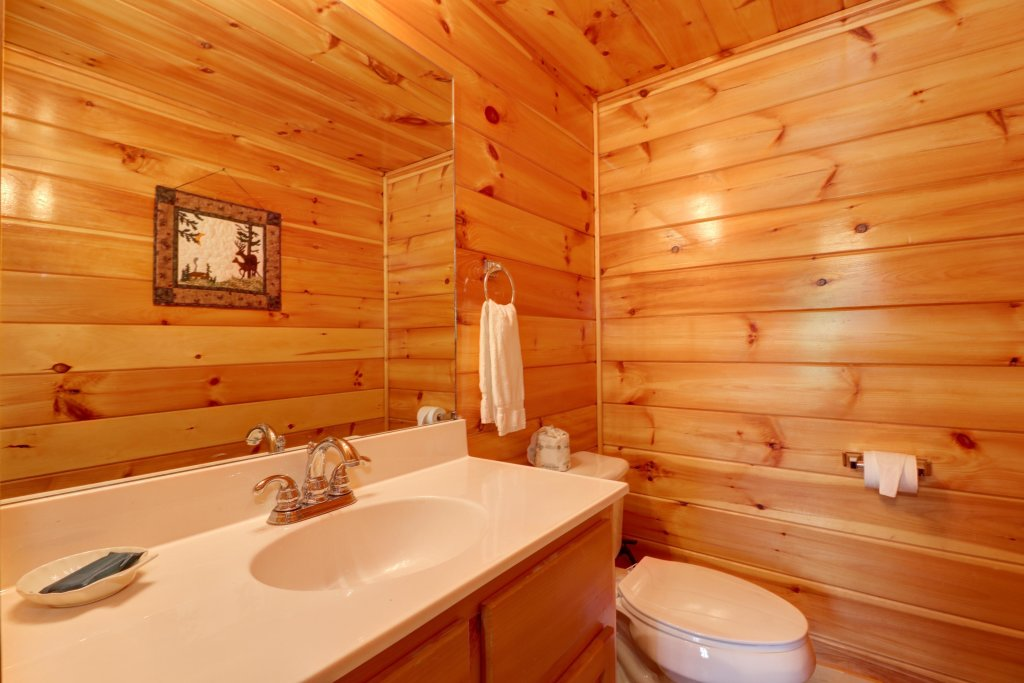Photo of a Sevierville Cabin named Sweet Retreat Cabin - This is the thirty-eighth photo in the set.