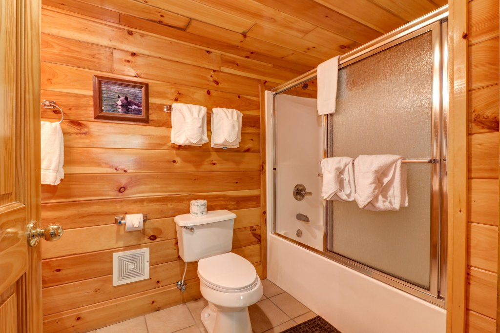 Photo of a Sevierville Cabin named Sweet Retreat Cabin - This is the forty-second photo in the set.