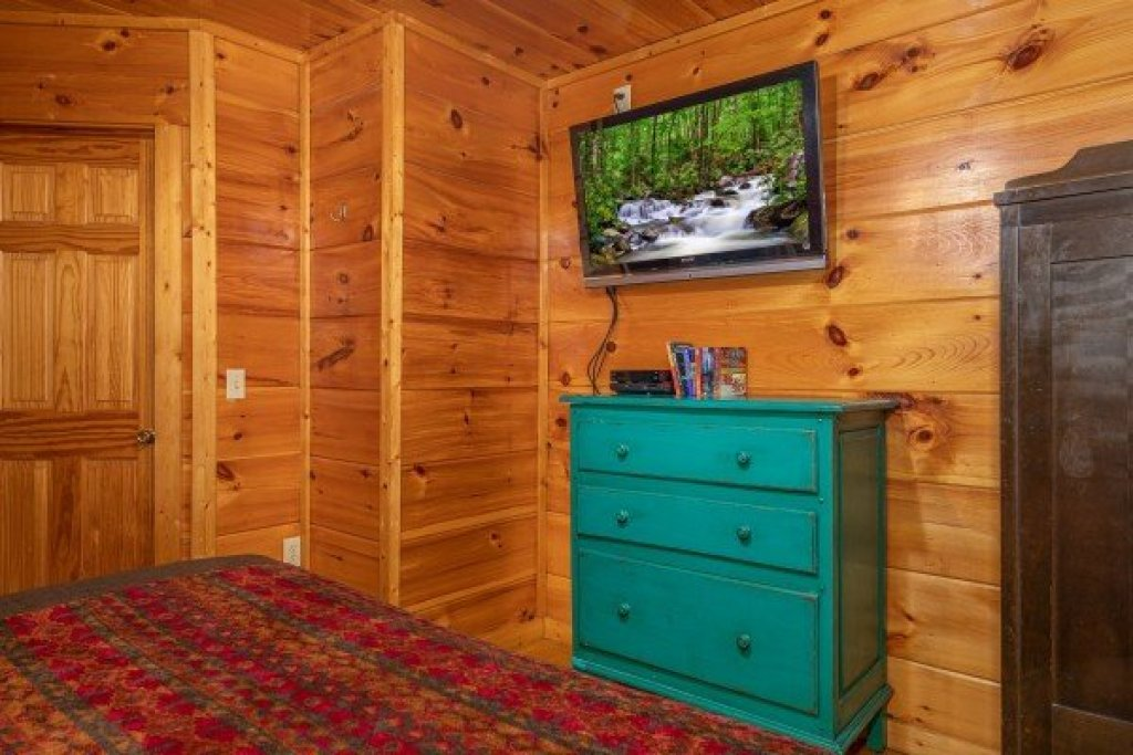 Photo of a Gatlinburg Cabin named Firefly Ridge - This is the seventh photo in the set.