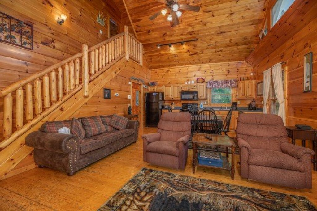 Photo of a Gatlinburg Cabin named Firefly Ridge - This is the third photo in the set.